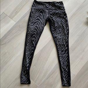 Zella zebra leggings black silver